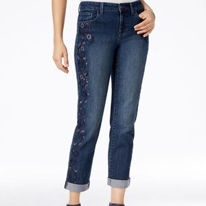 NWT Style & Co. Denim Embroidered Capri Jeans